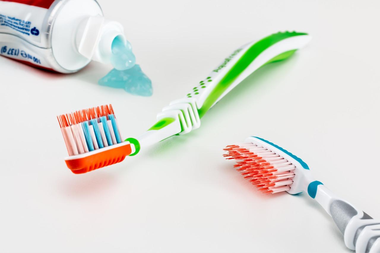 Підбір професійних засобів гігієни порожнини рота